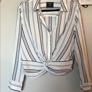 Abercrombie & Fitch Knot Front Button Down Blouse